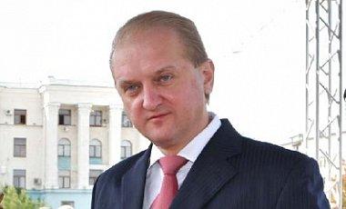 Бурлаков попал в здание Совмина инкогнито от Аксёнова